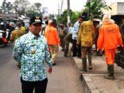 Kota Tangerang Dihantam Hujan dan Angin, Arief R Wismansyah Serukan Waspada
