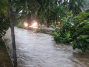Hujan Deras Sebagian Wilayah Cipondoh Terendam Banjir