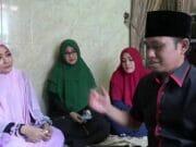 Lora Fadil Tinggal Serumah Bersama Tiga Istri Tetap Rukun dan Saling Bantu