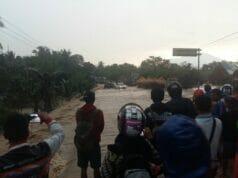 Gorong-gorong Mampet, Jalan Raya Serang-Pandeglang Diterjang Banjir