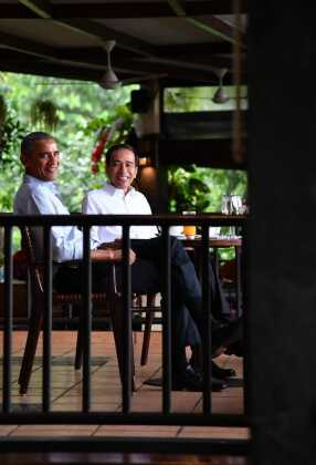 Suguhan Teh dan Bakso, Presiden Jokowi Terima Obama di Kebun Raya Bogor Suguhan Teh dan Bakso, Presiden Jokowi Terima Obama di Kebun Raya Bogor