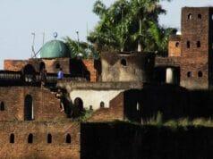 Berani Berzikir di Ruang Bawah Tanah? Datang ke Masjid Pintu Seribu