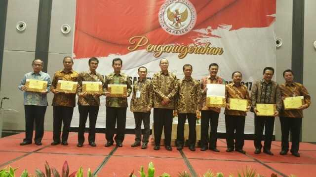 Pemkot Tangerang Raih BAPETEN Safety and Security Award