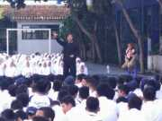 Budi Sabarudin Keliling Sekolah untuk Mendongeng