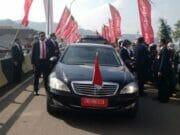 Presiden Jokowi Jalan Kaki Tembus Kerumunan Warga Banten