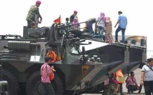 Perayaan HUT TNI ke 72 Jadi Ajang Selfi Masyarakat Banten