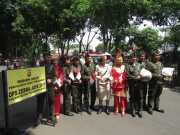 10 November, Polisi Kota Tangerang Kenakan Pakaian ala Pahlawan