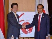 Bertemu Presiden Jokowi, PM Abe Puji Iklim Investasi Indonesia