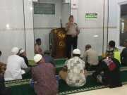 Program Polisi Cinta Masjid Disambut Kapolsek Neglasari dengan Shalat Berjamaah