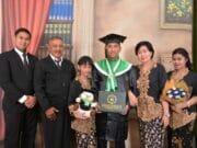 Satria Puji Irawan, Putra Ke 3 Aiptu Purwanto Ikuti Prosesi Wisudawan AMIK - STMIK Raharja