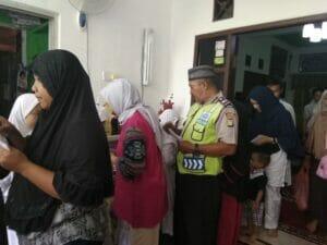 Jelang Bulan Suci Ramadhan, Kapolsub Sektor Palem Semi Hadiri Penutupan Pengajian Rutin Dan Santunan Anak Yatim