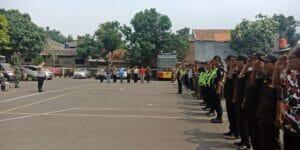 Cegah Bentrok Suporter Bola Polisi Dan TNI Apel Siaga