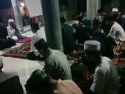 Doakan Negeri dan Pahlawan Ratusan Santri Majlis Al Ikhlas Gelar Dzikir dan Doa