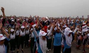Senam Zumba Ibu dan Anak di Tangerang Selatan Catat Rekor MURI