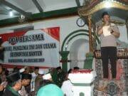 Kapolri Kunjungi Posko Tsunami dan Pimpin Doa Bersama