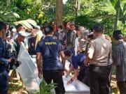 Jenazah Korban Tsunami di Makamkan