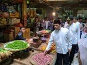 Jelang Ramadhan, Arief Sidak Harga Pangan di Pasar Anyar Tangerang