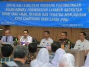 Naik Trans Kota Tangerang Bayar Lewat Cashless