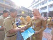 SK Pensiun dan Kenaikan Pangkat Diberikan Pada 366 Pegawai Kota Tangerang