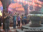 Melihat Perayaan Malam Imlek di Vihara Nimmala Boen San Bio