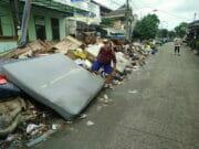Pasca Dikepung Banjir, Ciledug Indah Kini Dikepung Sampah