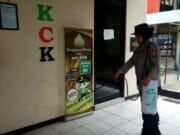 Cegah Corona, Polsek Karawaci Lakukan Bersih Bersih