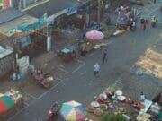 Cegah Sebaran Covid-19, Pedagang di Pasar Anyar Jaga Jarak
