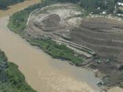 Pengerukan Longsoran Sampah Cipeucang di Cisadane Rampung