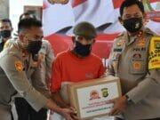 HUT Bhayangkara ke-74, Polisi Salurkan Ratusan Paket Sembako di Tangerang