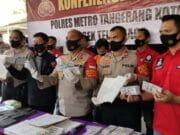 Polisi Bekuk Sindikat Pembuat Uang Palsu Dollar Amerika di Tangerang