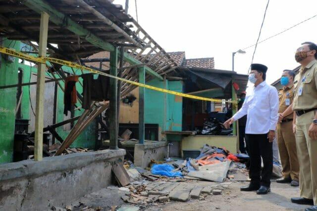Sachrudin Kunjungi Rumah Warga Korban Kebakaran di Neglasari
