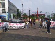 Duga Proyek Siluman Untuk Dana Kampanye Pilkada Tangsel, Massa Ancam Lapor KPK