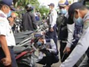 Parkir Dilokasi Ini, 139 Kendaraan Digembosi Dishub Kota Tangerang