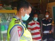 Cooling Sistem, Anggota Polisi Jatiuwung Rayu Pemudik Lakukan Swab Antigen