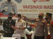 Serentak se-Indonesia, 1.216 Dosis Vaksin Disuntik Polisi di Mall Balekota Tangerang
