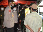 Patroli Malam PPKM Darurat, Forkopimda Kota Tangerang Bagi-Bagi Beras
