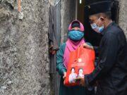 PDI Perjuangan Kota Tangerang Distribusikan Sembako Gratis, Begini Keluhan Masyarakat