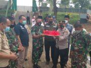 Peringati HUT TNI ke 76, Kapolsek Beserta Forkopimcam Panongan Beri Kejutan Untuk Koramil 14 Panongan