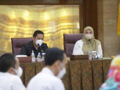 Bupati Pandeglang Irna Narulita bersama Walikota Tangerang Arief Rachadiono Wismansyah.