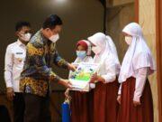 BJB Serahkan 50 Ribu Rekening untuk Pelajar Kota Tangerang Melalui KEJAR